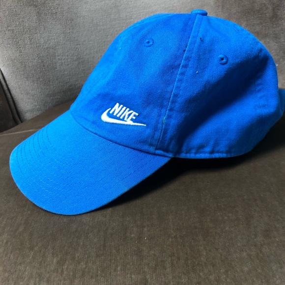 450aa1e5 Bright blue NIKE baseball hat!💙. M_5c43943bf63eeae796c09748